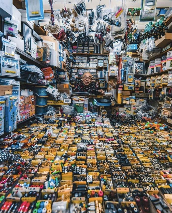 Продавец в Японии