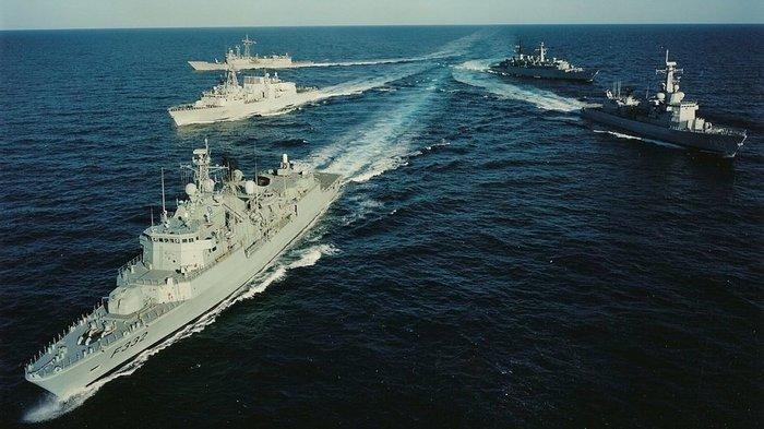 В НАТО пообещали защитить украинские суда в Керченском проливе Политика, Украина, НАТО, Керченский пролив, Новости, США