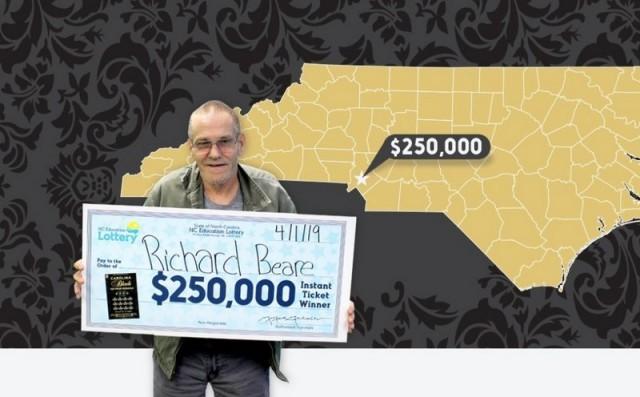 Умирающий американец выиграл в лотерею и вместо лечения потратил деньги на путешествие Достучаться до небес, Рак, Путешествия, Лотерея