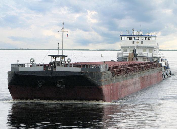 """""""Ребята, она идет на нас!"""" Опасность на воде, Моторная лодка, Баржа, Длиннопост"""