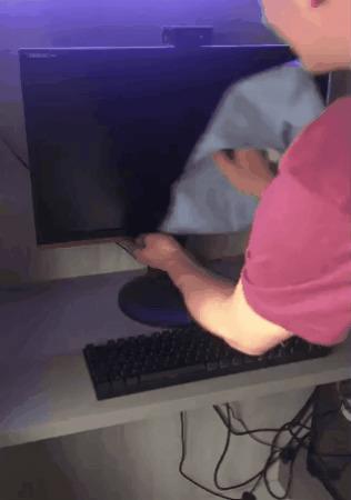 Когда решил почистить клавиатуру