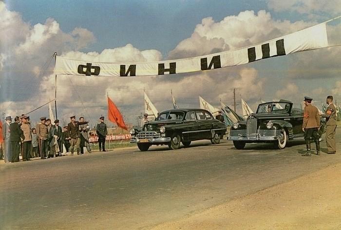 Заезд ГАЗ-12 ЗИМ и ЗИС-110Б.