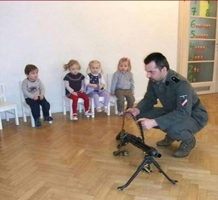 Однажды в детском садике Утренник, Детский сад, Баянометр молчит