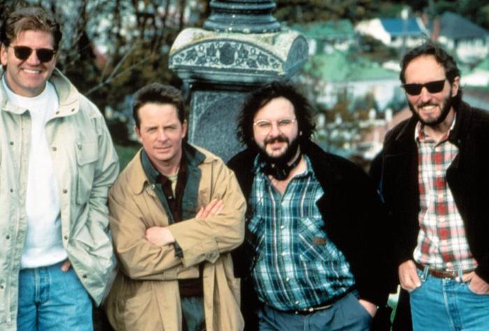 Фотографии со съёмок и интересные факты к фильмуСтрашилы 1996 год. Страшилы, Майкл Джей Фокс, Питер Джексон, Знаменитости, Фото со съемок, 90-е, VHS, Длиннопост