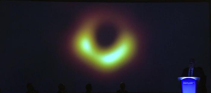 Первое изображение горизонта событий в истории Blackholeday, Ehtblackhole, Черная дыра, Горизонт событий, Космос