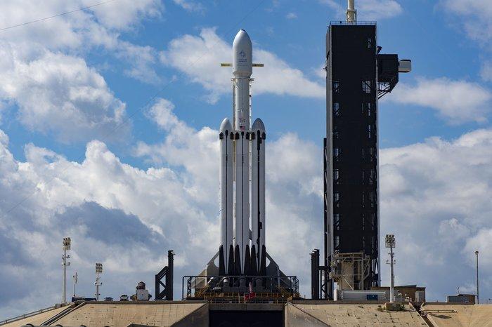 Сегодня в 3 часа ночи по МСК не пропустите.Супертяж на старте. Космос, Ракета, Ракета-Носитель, Арабсат, Новости, Технологии, Видео, Falcon Heavy, Spacex