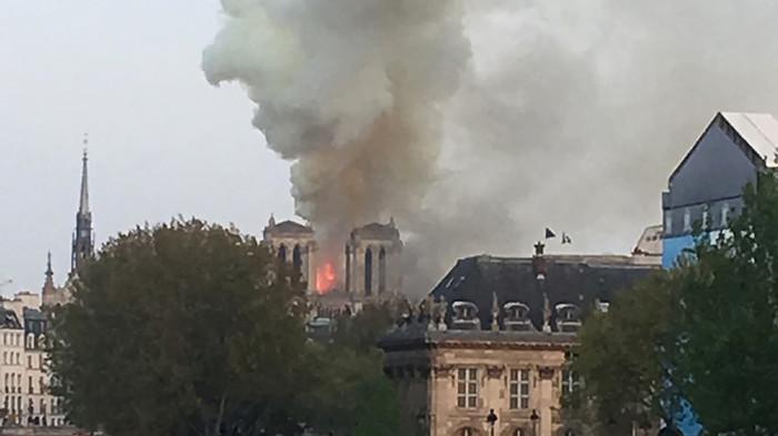 Пожар в Нотр-Дам-Де-Пари. Фото. Пожар, Париж, Notre Dame De Paris, Длиннопост, Франция