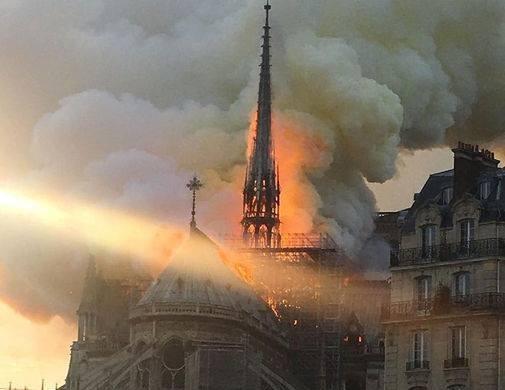 Мощно горит... Франция, Пожар, Собор, Париж, Notre Dame De Paris
