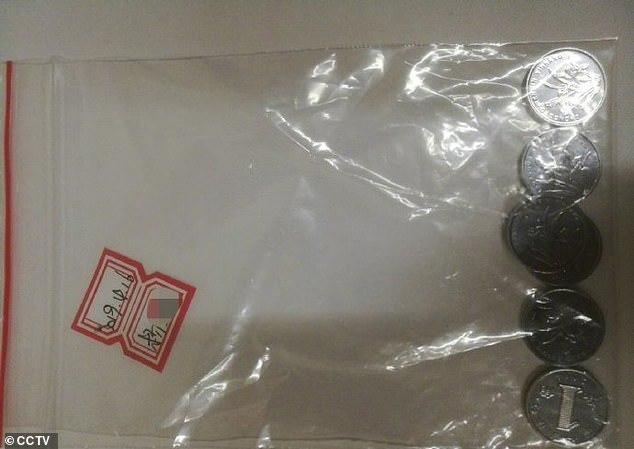 Хочу все знать #201. В Китае вылет самолета задержали из-за суеверной пассажирки, бросившей в двигатель горсть монет Хочу все знать, Китай, Китайцы, Самолет, Полет, Суеверия, Дура, Длиннопост