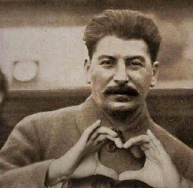 Уровень одобрения Сталина в России достиг рекордного показателя Сталин, Рейтинг, Новости, Опрос, Текст, Политика
