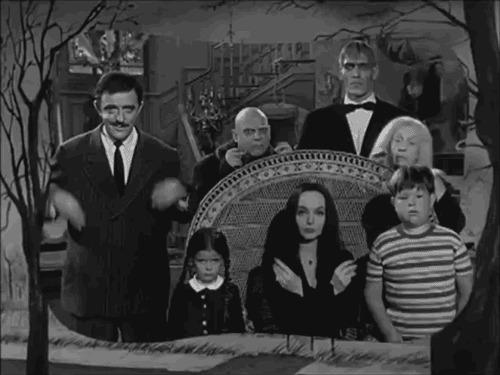 Семейка Аддамс. Как зарождалась история странной семьи Семейка Адамс, Интересное, Комиксы, Чарльз Аддамс, Мортиша, Гомес Аддамс, Фильмы, Гифка, Длиннопост
