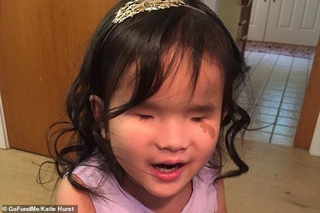 Слепая девочка поет чтобы преодолеть свой страх Китай, США, Усыновление, Видео