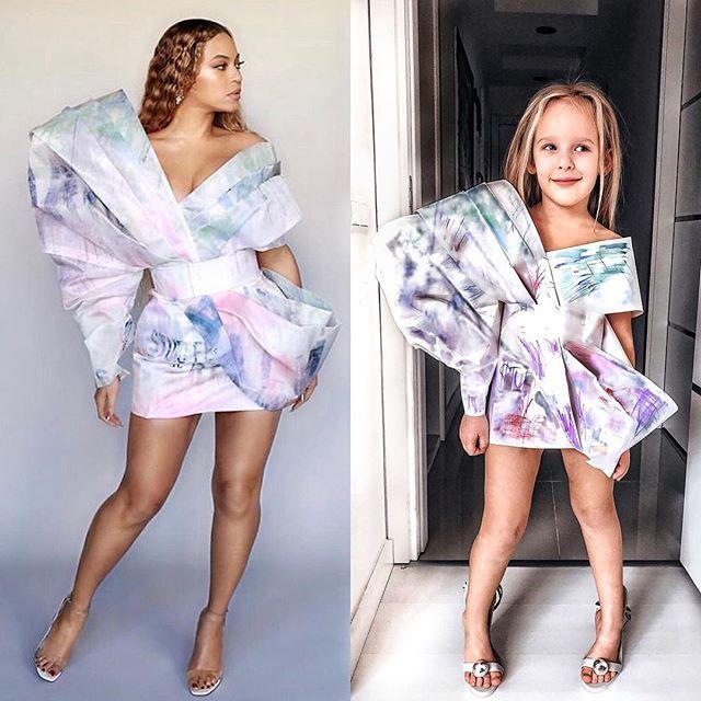 Мама с дочкой пародируют знаменитостей, делая костюмы из подручных средств. Родители и дети, Костюм, Фотосессия, Фото со знаменитостью, Длиннопост
