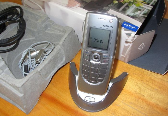 На волне ностальгии, топовый бизнес коммуникатор Nokia 9300, 2004 год выпуска. Кпк, Мобильные телефоны, Nokia, Symbian, Ностальгия, Гаджеты 2000-х, Длиннопост