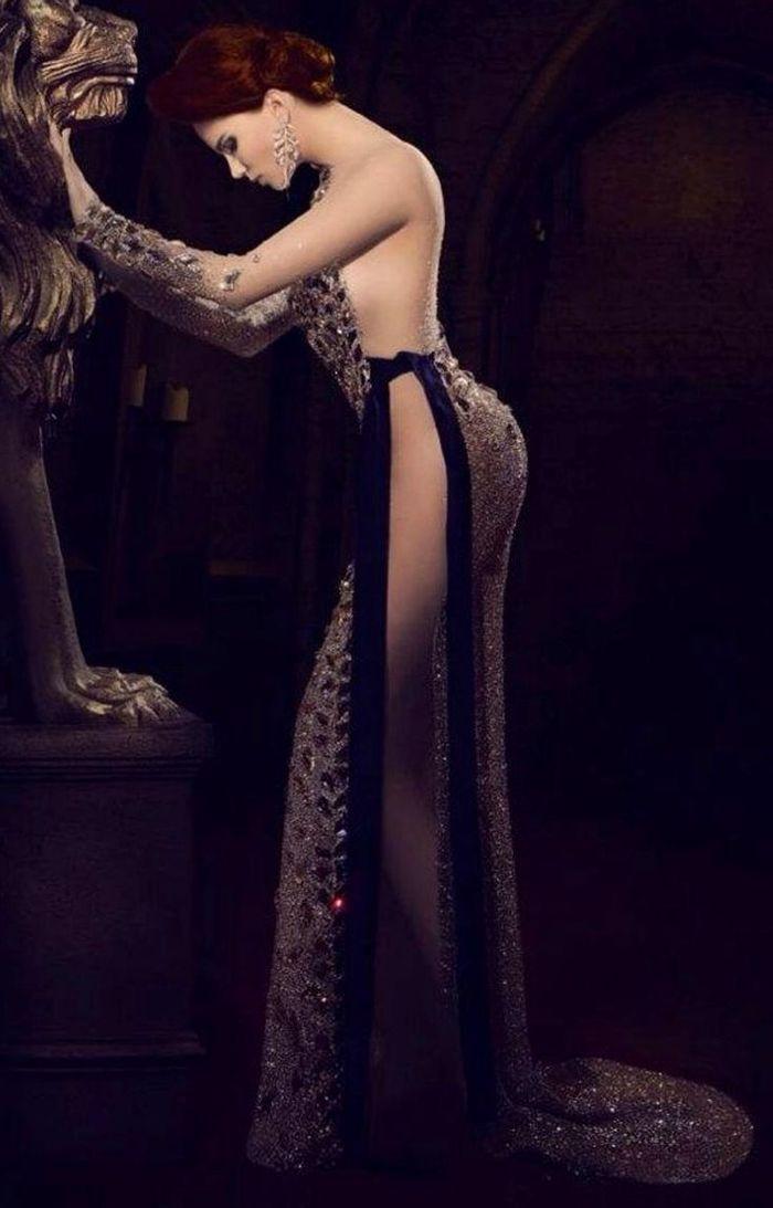 Женщина - единственный подарок, который сам себя упаковывает. (С.) Жан Поль Бельмондо