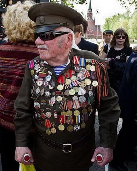 Фальшивые ветераны навстречу 9 мая Война, Парад, 9 мая, Городские сумасшедшие, Фальшивка, Длиннопост
