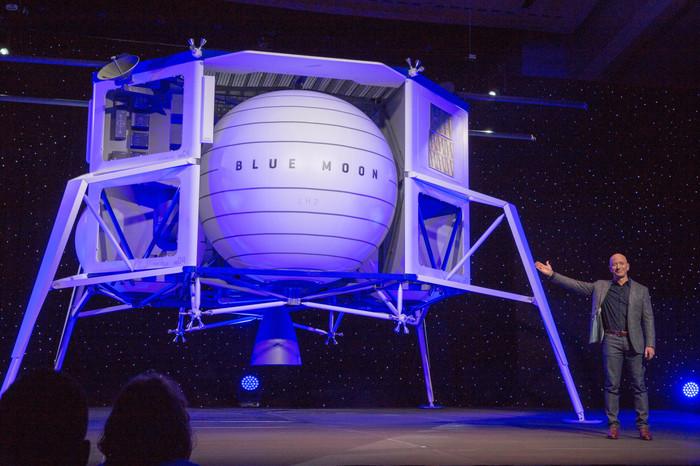 Джефф Безос презентовал проект лунного посадочного модуля Космос, Blue Origin, Джефф Безос, Луна, Спускаемый аппарат, Космонавтика, Лунная программа, Видео, Длиннопост