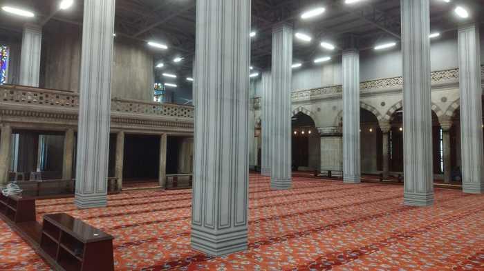 Мечеть в Стамбуле выглядит как игра на самой минимальной графике