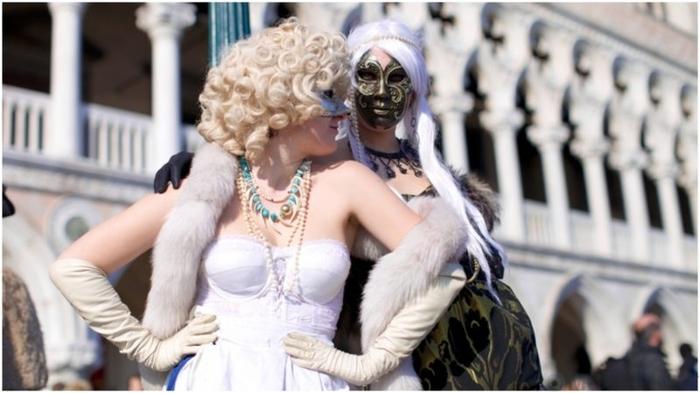 В былые времена в Венеции проституткам платили за демонстрацию груди на мосту Понте-делле-Тетте Культура, Факты, Проституция, Мост, Венеция, История, Италия, Длиннопост