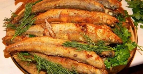 А вы когда ливерную колбасу покупаете, тоже говорите что для собаки? Истории, Яндекс Дзен, Ракетчик, Ливерная колбоса, Мойва