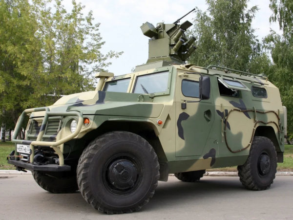 """ГАЗ Тигр-2: """"русский Hummer H2"""". Почему проект закрыли? Газ, Тигр 2, Российский автопром, Внедорожник, Длиннопост"""
