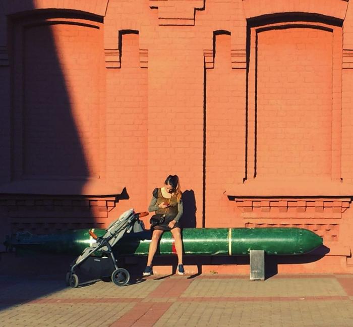 Тем временем в России Санкт-Петербург, Торпеда, Мама, Meanwhile in Russia