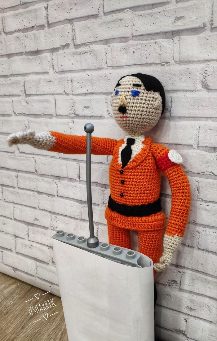 Мой город меня удивил... Адольф Гитлер, Гитлер капут, Вязание крючком, Вязаные игрушки, Кукла, Куклы ручной работы, Длиннопост