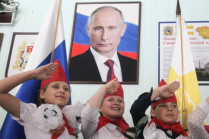 Путин решает возродить пионерию - свежий анекдот Пионеры, Молодежь, Возрождение, Путин