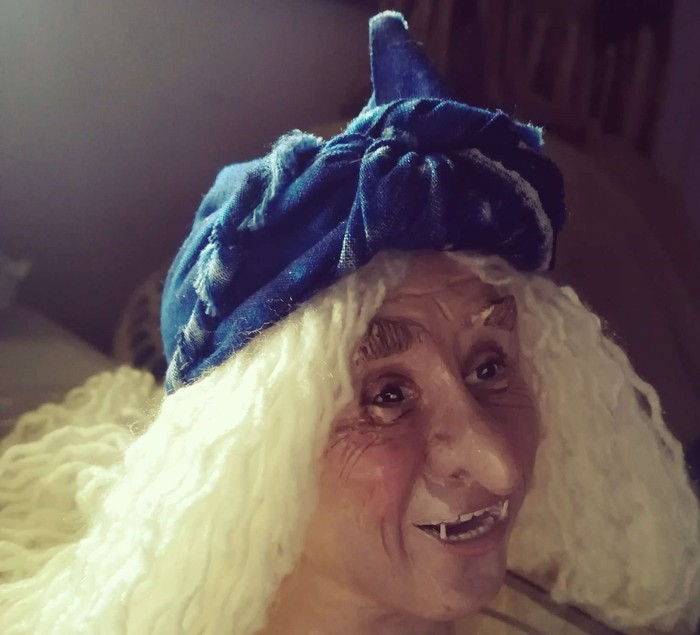 Баба-Яга, лицо слепила из полимерной глины, глаза не получались, помогло фото Г.Милляра. Процесс продолжается..