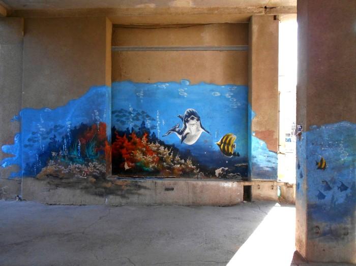 Граффити (так же как и стрит-арт) должны украшать стены, а не уродовать их #97 Граффити, Стрит-Арт, Уличная живопись, Череповец, Подводный мир, Дельфин, Рыба, Длиннопост