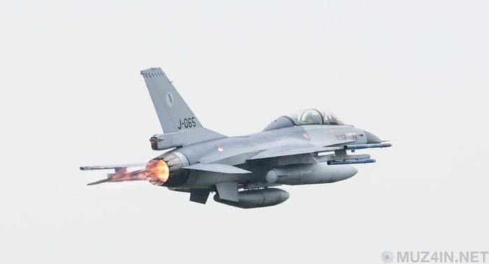 Голландский F-16 влетел в облако из своих же пуль, став собственной целью Истребитель, Военная техника, Нидерланды, Самолет, Инцидент