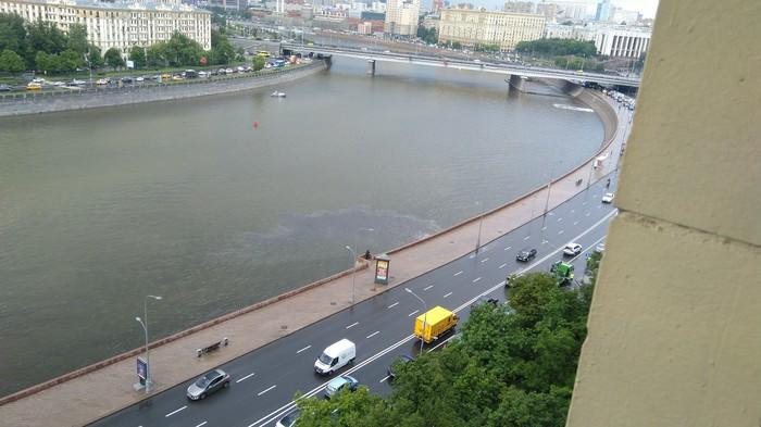 После дождичка в четверг. Москва, Экология, Сточные Воды, Фото на тапок