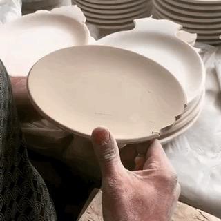Резьба глиняной Тарелочки.