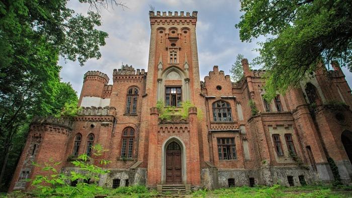 Дворец, переживший не одну революцию и войну, непереживший независимость Замок, Дворец, Заброшенное, Длиннопост