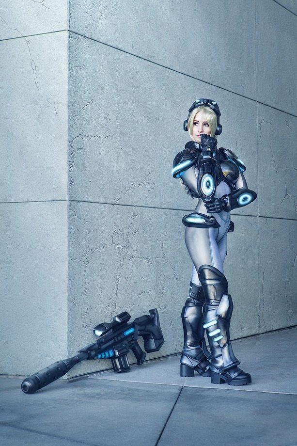 Нова в раздумьях Starcraft, Starcraft 2, Nova, Косплей, Девушки, Компьютерные игры