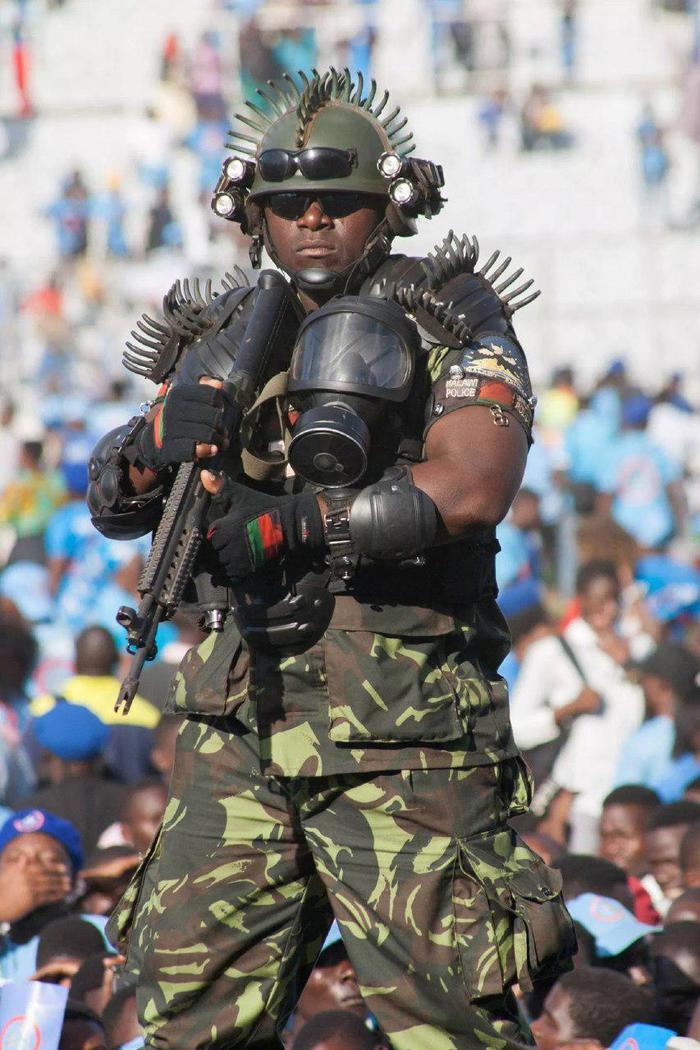 Самый страшный телохранитель в мире Африка, Малави, Телохранитель