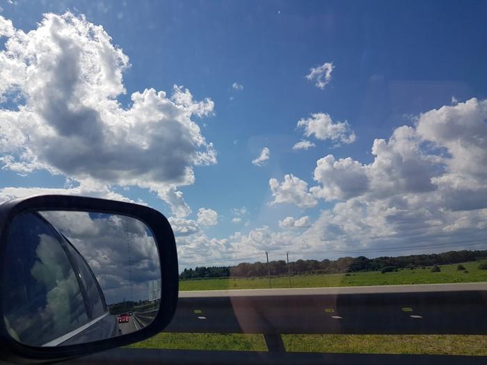 По дороге с облаками, По дороге с облаками, Очень нравится, когда мы Возвращаемся назад Дорога, Облака, Небо, Родина, Природа, Видео, Длиннопост