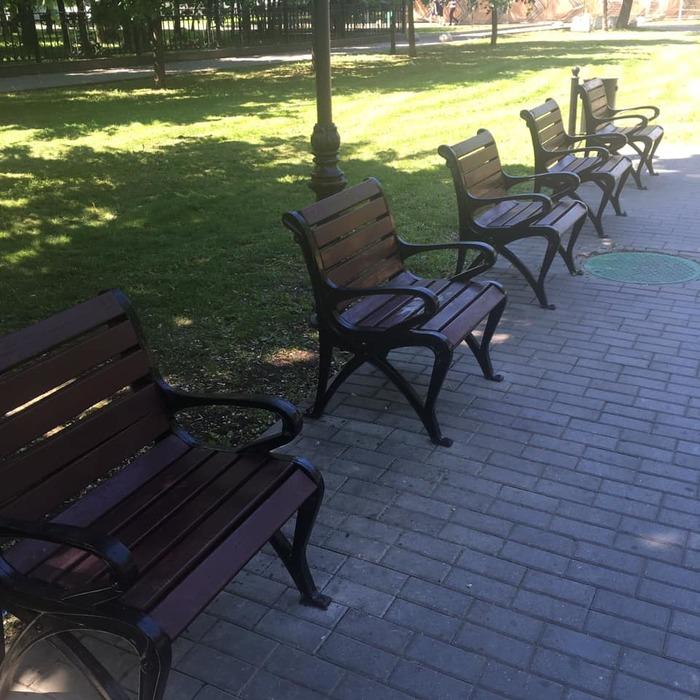 В Москве появились скамейки для интровертов