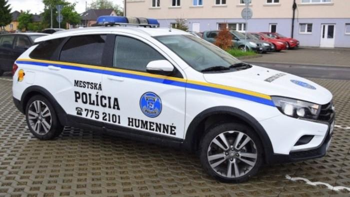 Лада Веста на службе в полиции Словакии