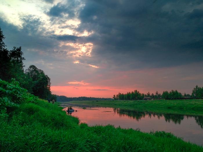 Москва-река. Вечер после грозы.