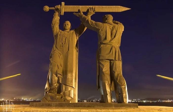«Родина – мать зовет!» Как строили самый высокий монумент страны!? Какие секреты он в себе хранит? Родина-Мать, Как это сделано, Скульптура, Мамаев курган, Волгоград, Длиннопост