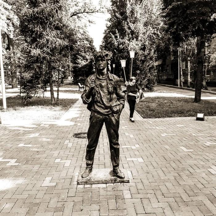 Виктор Цой Жив Алматы, Казахстан, Виктор Цой, Памятник, Длиннопост