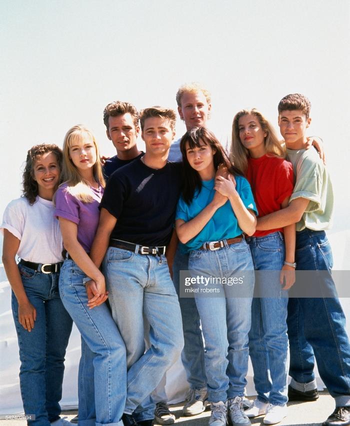 В августе выйдет продолжение «Беверли-Хиллз, 90210» Сериалы, Беверли-Хиллз, Ностальгия, Продолжение, Длиннопост, Beverly Hills 90210
