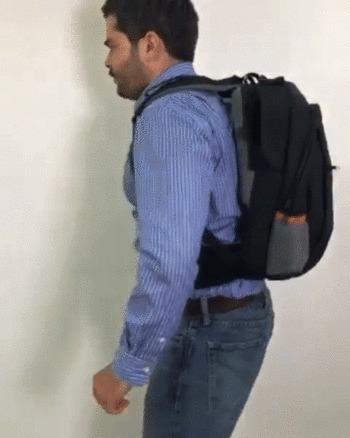 """""""Школьный"""" рюкзак с броником и пистолетами. Спрос -> Предложение."""