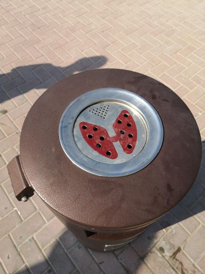 Уличная пепельница в Дубае