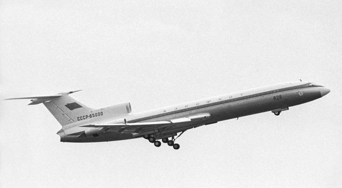 Неверный муж Самолет, Ту-154, СССР, Измена, Любовница, Бомба, Муж