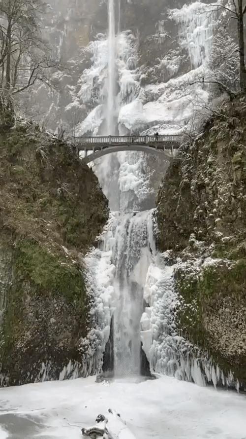 Водопад Малтнома в штате Орегон