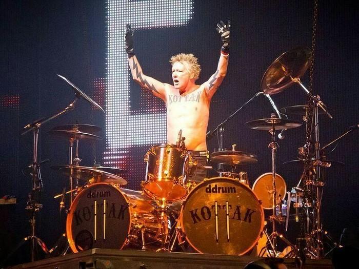 Бывший барабанщик Scorpions quotВ рекламе слишком много негровquot