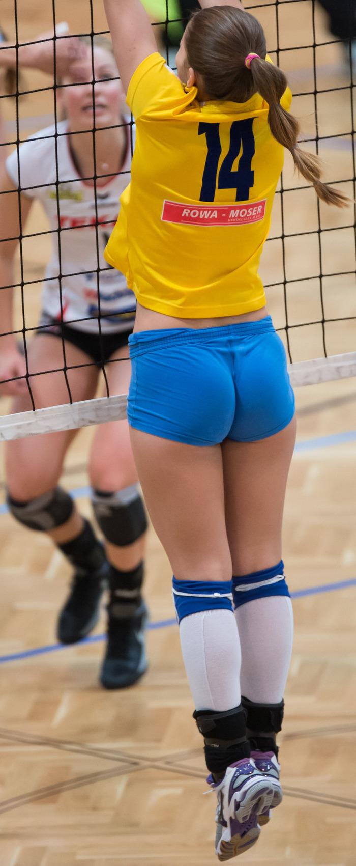 Волейболистка