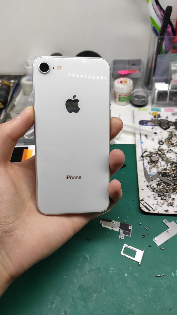 Когда причина глубже, чем может быть. Iphone 8 или почему я беру деньги за чистку сетки динамика
